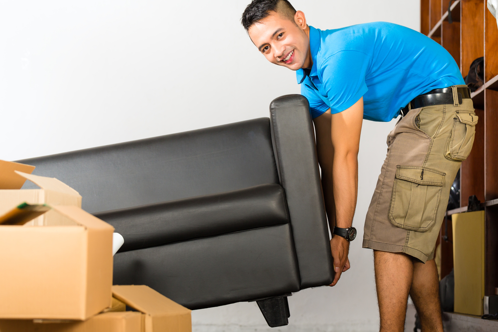 Dismantling furniture before putting into storage1